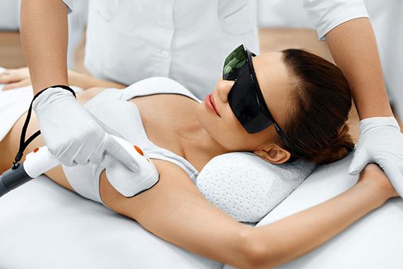 Traitement au laser CoolGlide - site Chirurgie Esthetique